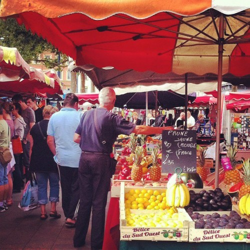 September 2012: I discovered what I love most about Rouen - the Sunday market at Place St Marc!