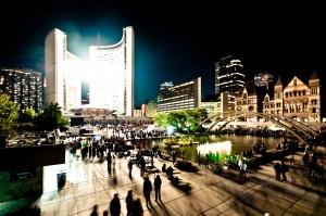 Nuit_blanche_toronto_city_hall_2009